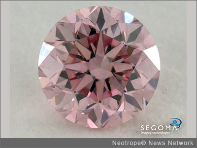 NEW YORK, N.Y. /New York Netwire/ -- Segoma Imaging Technologies, the leader in 360-degree diamond display technology, have announced that they will be photographing large stones for De Beers' online auction website. This partnership marks another landmark for Segoma - it is already photographing Rio Tinto's Argyle Pink Diamonds for its monthly tenders.